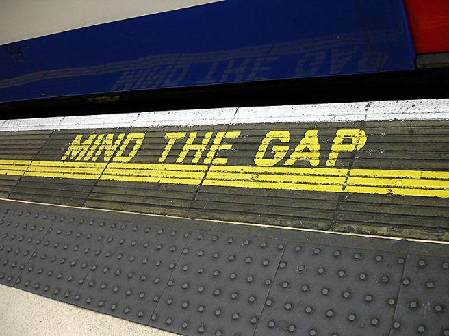 Wikimedia Commons, 'Mind the Gap', 2008, Clicsouris