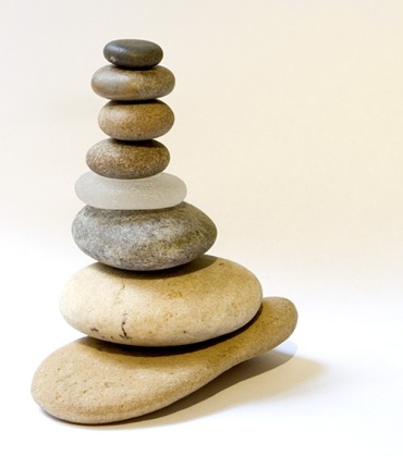 Pebble stack, Wikimedia Commons, Zzubnik