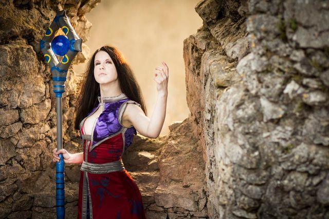 Lady Katrana Prestor ~ Human Onyxia, World of Warcraft, 2014, Stephan Shubert via Wikimedia Commons